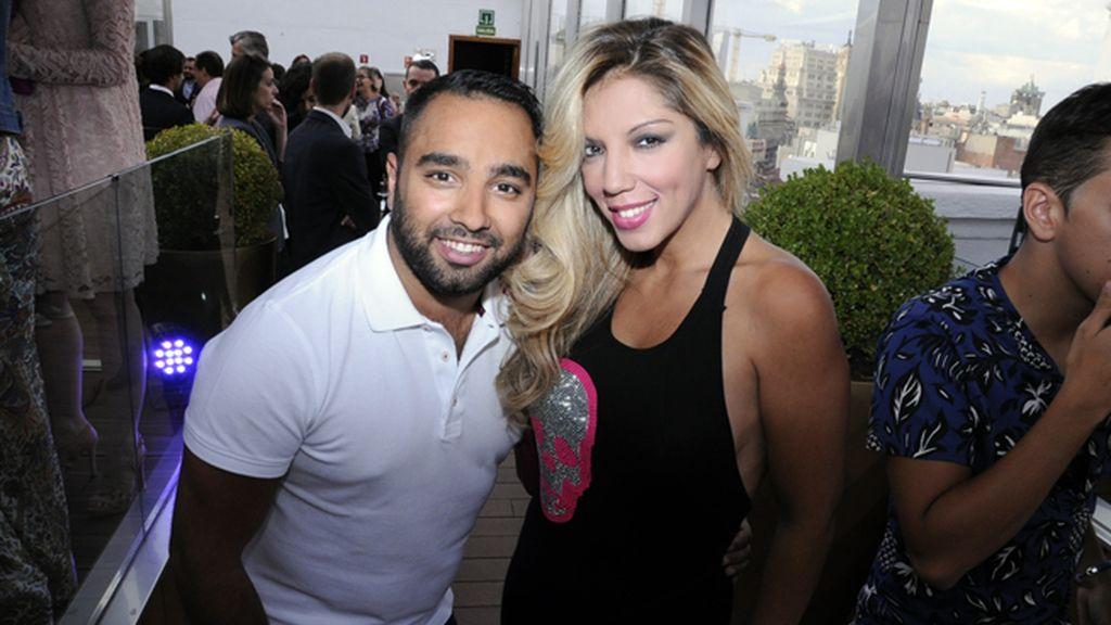 Tomás Palacios y la cantante Rebeca