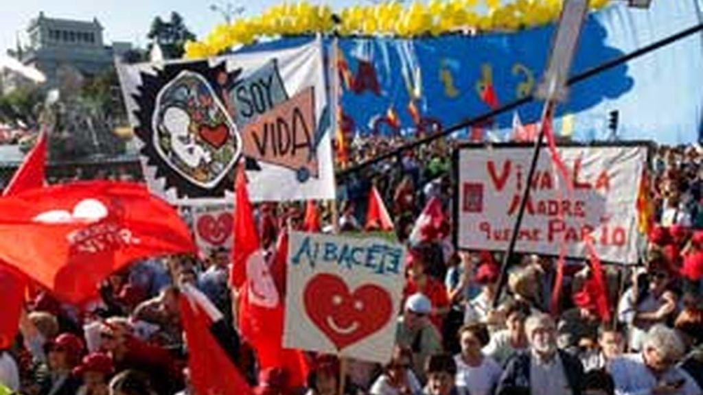 Miles de manifestantes recorrieron las principales calles de Madrid, en protesta por la reforma de la Ley del Aborto el sábado pasado. Foto: EFE.