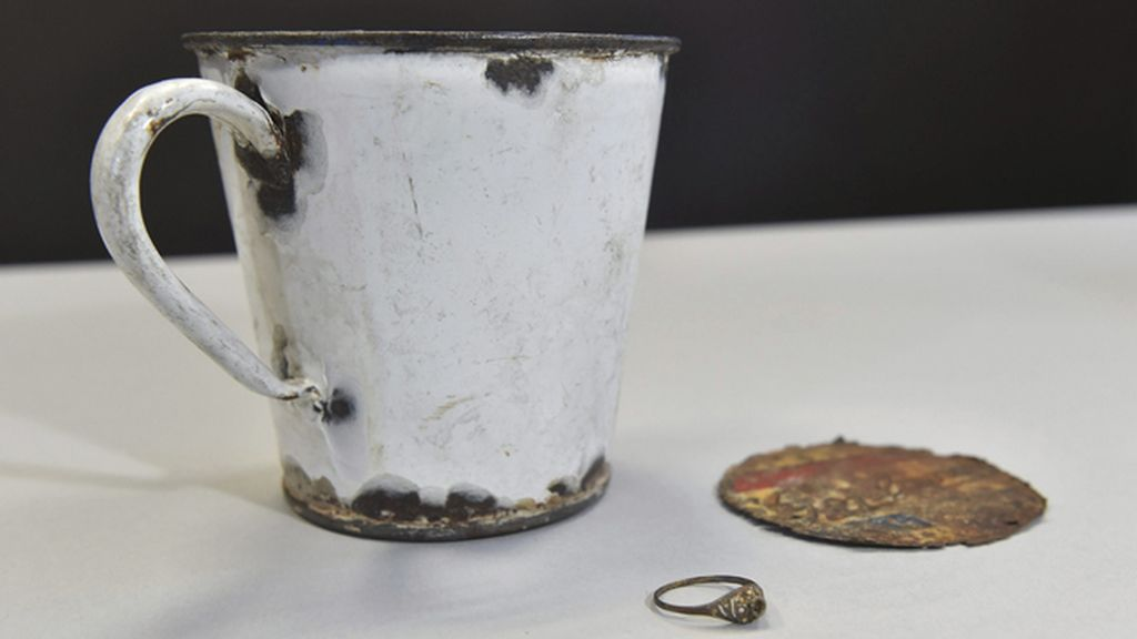 Se encuentran joyas ocultas en menaje de cocina incautadas por los nazis a su llegada a Auschwitz