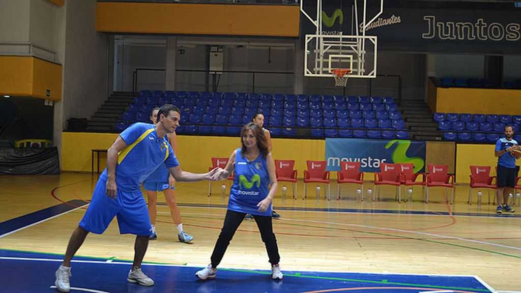 Jugaron al basket, se encontraron con Begoña, la mujer de Sánchez, y fueron a la sede del PSOE