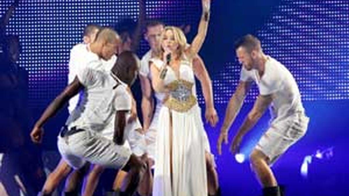 Kylie Minogue canta su single 'All the lovers' en español y en exclusiva para Informativos Telecinco