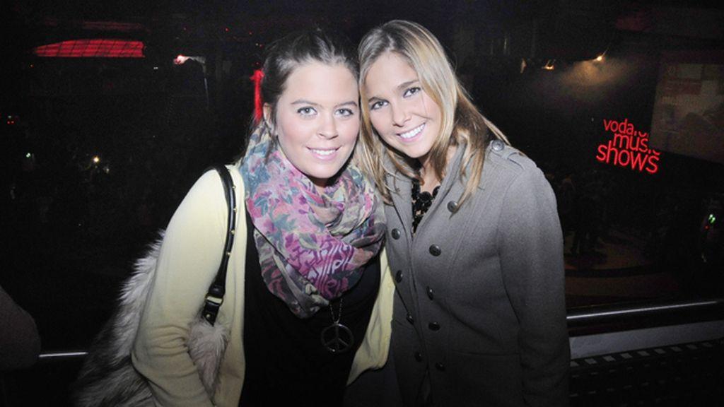 Natalia Sánchez acudió al concierto en compañía de su amiga Marta Verdía