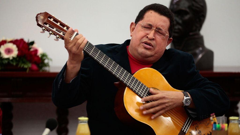Chávez, a la guitarra española