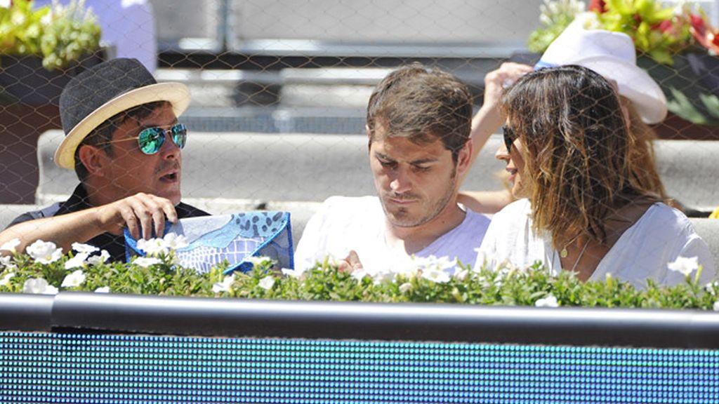 Alejandro Sanz, Iker Casillas y Sara Carbonero