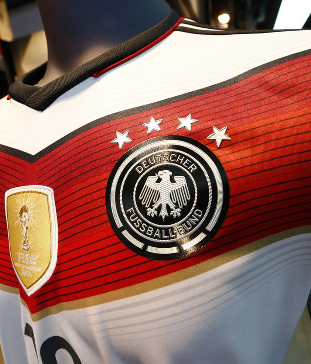La camiseta alemana ya lleva las cuatro estrellas