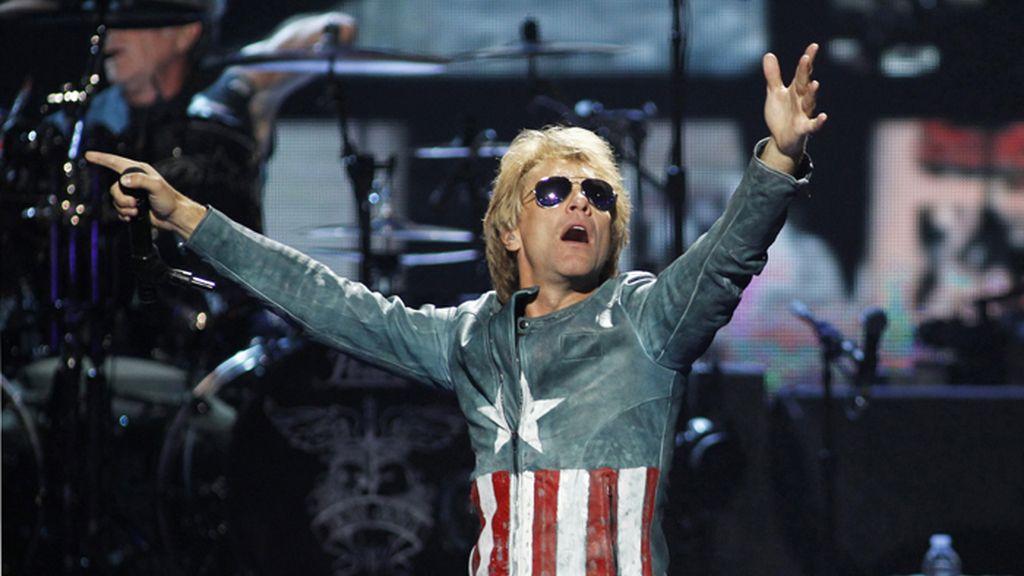 Bon Jovi durante una actuación