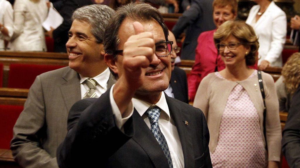 Artur Más, presidente de Cataluña, celebra la aprobación de la ley de consultas