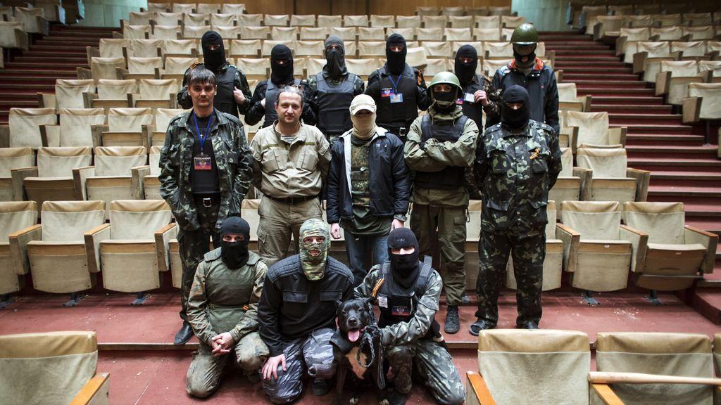 Posa el Gobierno de la autoproclamada República Popular de Donetsk