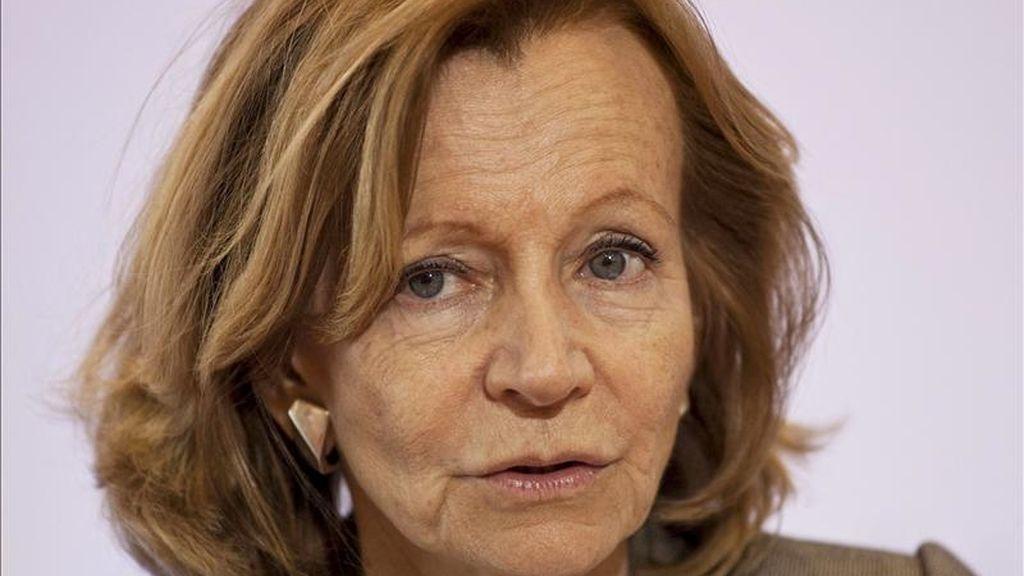 Fotografía tomada el pasado 9 de abril en la que se registró a la ministra española de Economía y Hacienda, Elena Salgado, quien consideró inoportuno el recorte de un 20 % de la plantilla de Telefónica. EFE/Archivo