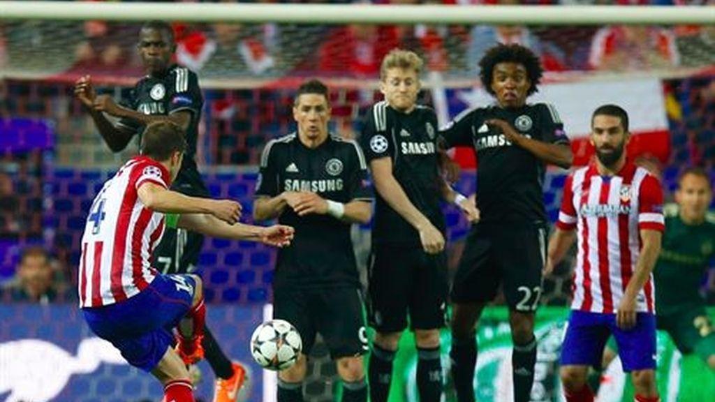 El Atléti deja los deberes para Stamford Bridge