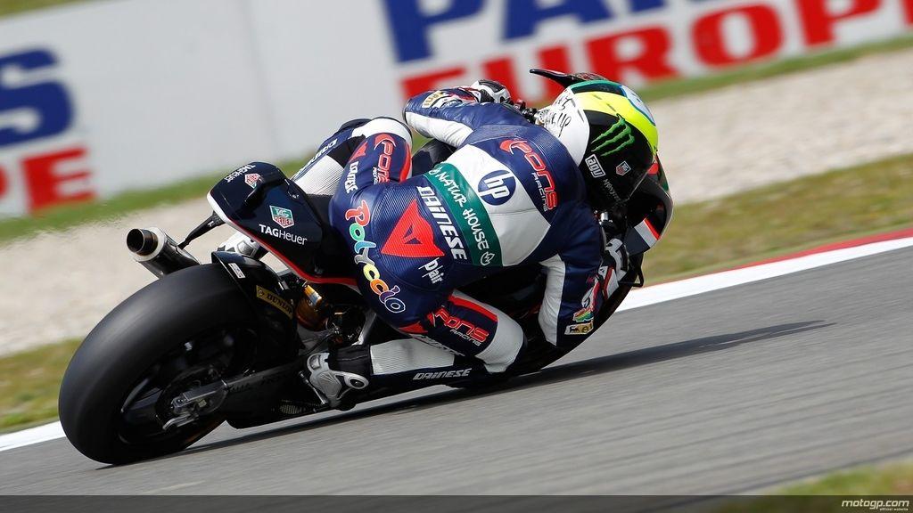 Vista trasera de Pol Espargaró durante los libres de Moto2 del GP de Holanda