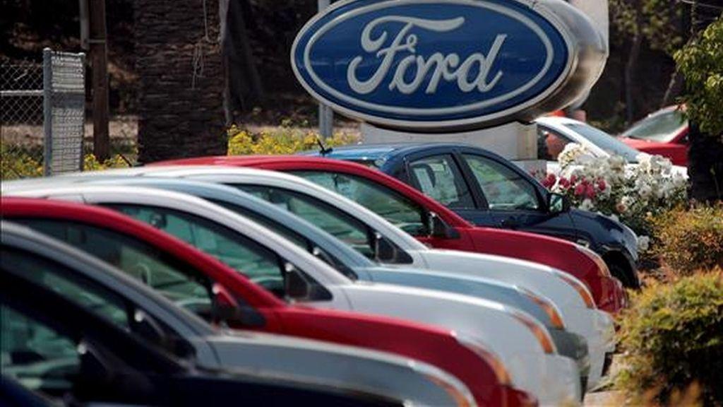 Los ejecutivos de Ford dijeron que están convencidos de que este año conseguirán recortar sus gastos en 4.000 millones dé dólares. EFE/Archivo