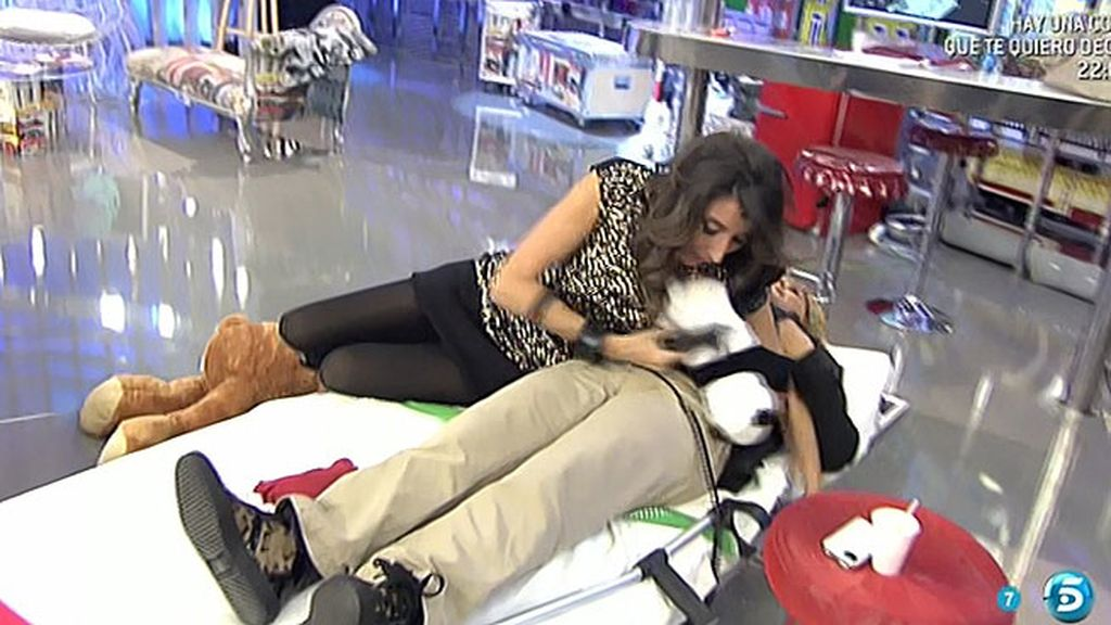 Paz Padilla, a punto de tirar a Chelo de la cama