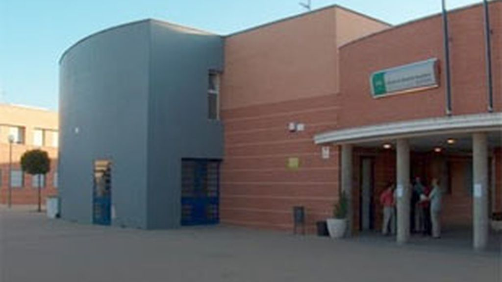 Fachada del instituto donde se produjeron los disparos.