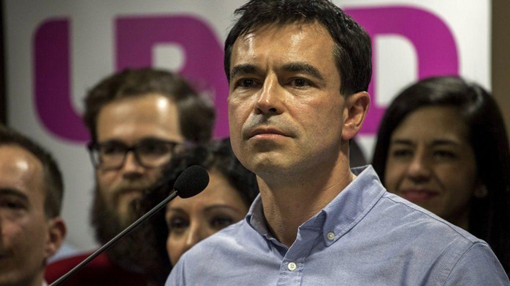 El líder y candidato de UPYD, Andrés Herzog, valora su derrota electoral