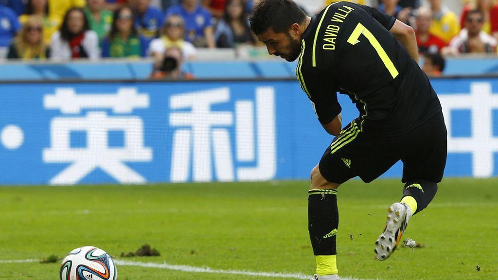 Villa marcó su último gol con España de tacón