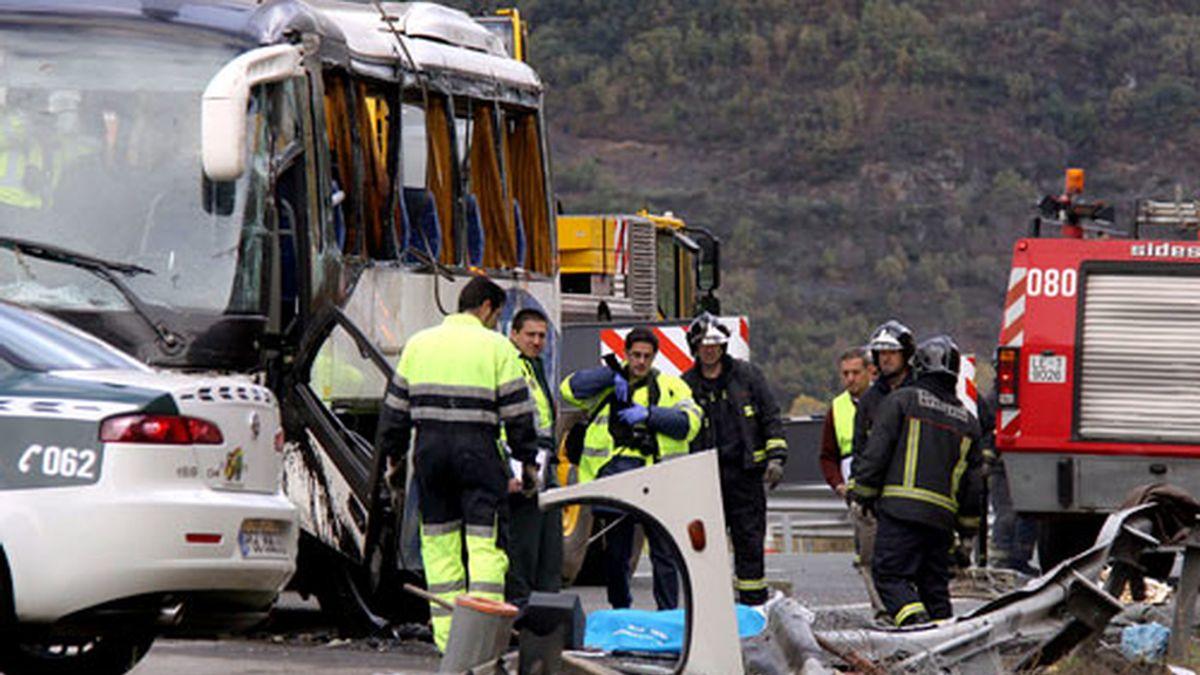Otras veinticuatro personas han resultado heridas en el siniestro. Video: ATLAS.