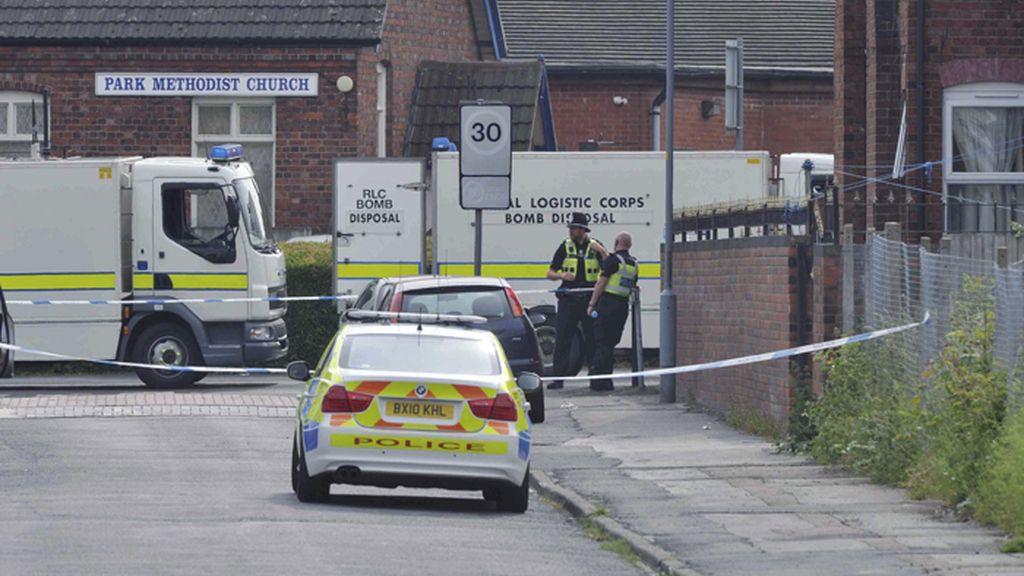 La policía británica investiga una explosión sin heridos cerca de una mezquita