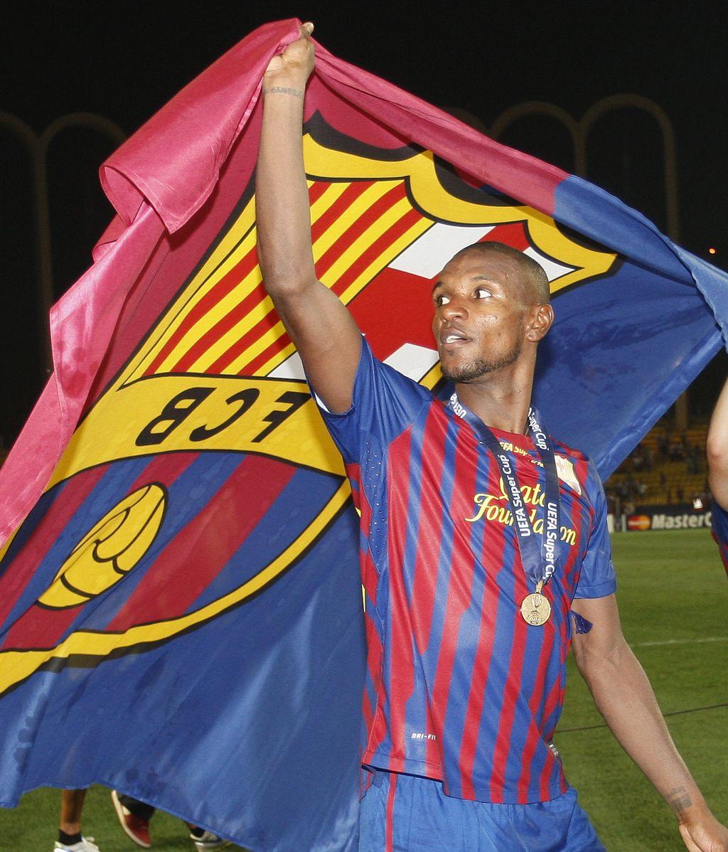 Eric Abidal renueva en el club blaugrana por un año