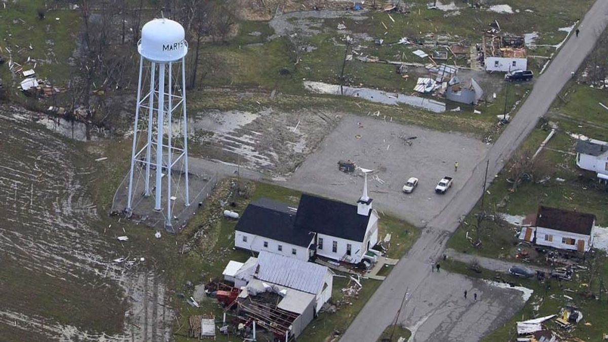 Destrozos de los tornados de EEU (AP)
