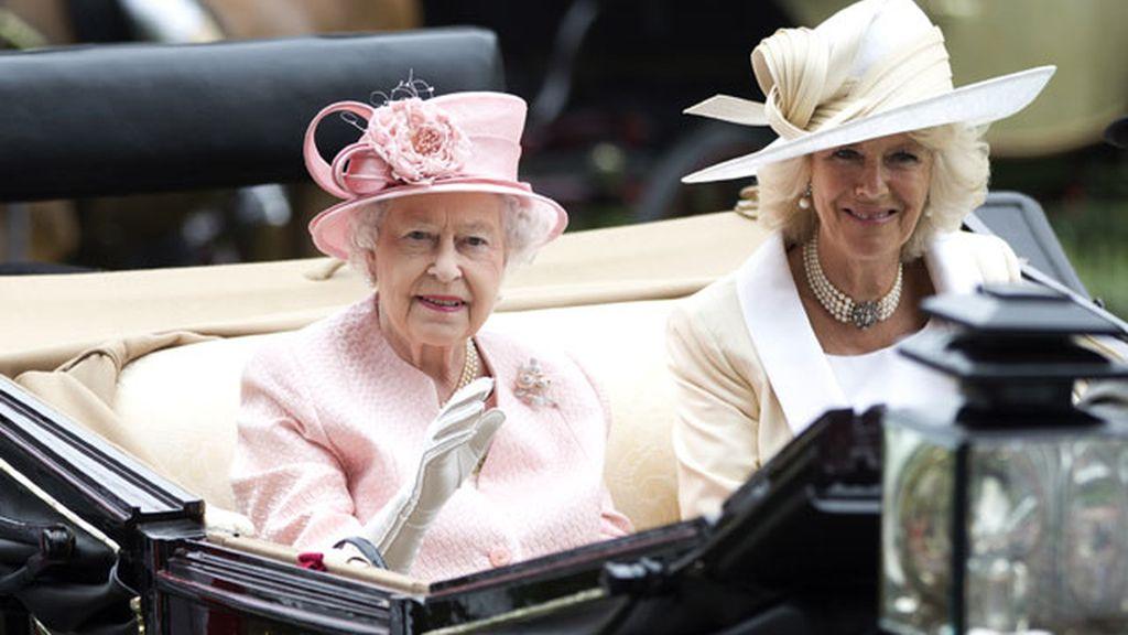 Sombreros, caballos y extravagancia en la cita de Ascot