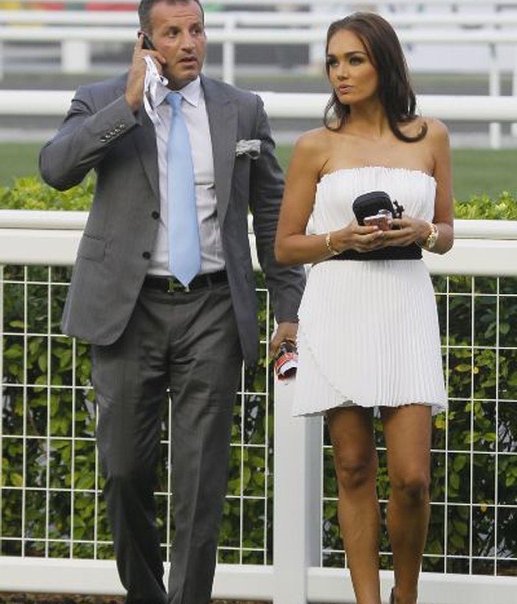 Tamara Ecclestone con su novio, Omar Kyhami