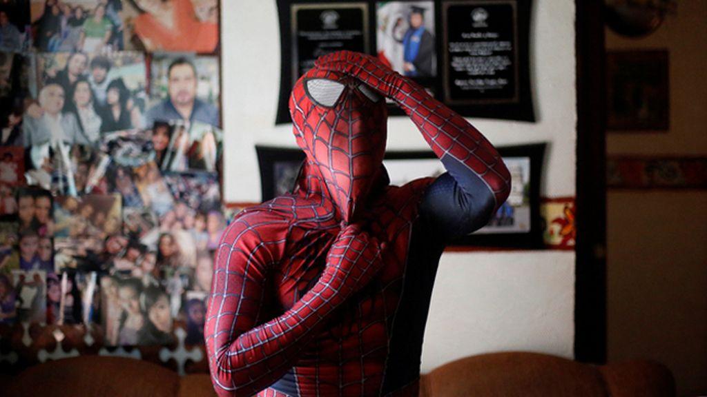 Spider-teacher: el profesor que acude a clase vestido como Spiderman