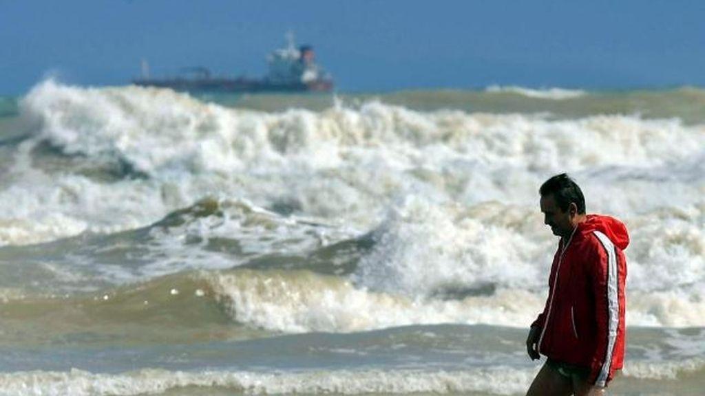 Fallece un bañista tras rescatar a un menor