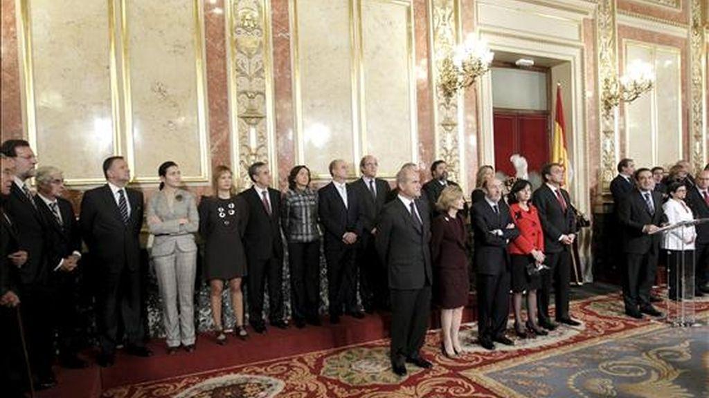 El presidente del Congreso, José Bono (d), durante su intervención en los actos conmemorativos del Día de la Constitución que se celebran en el Congreso de los Diputados. EFE