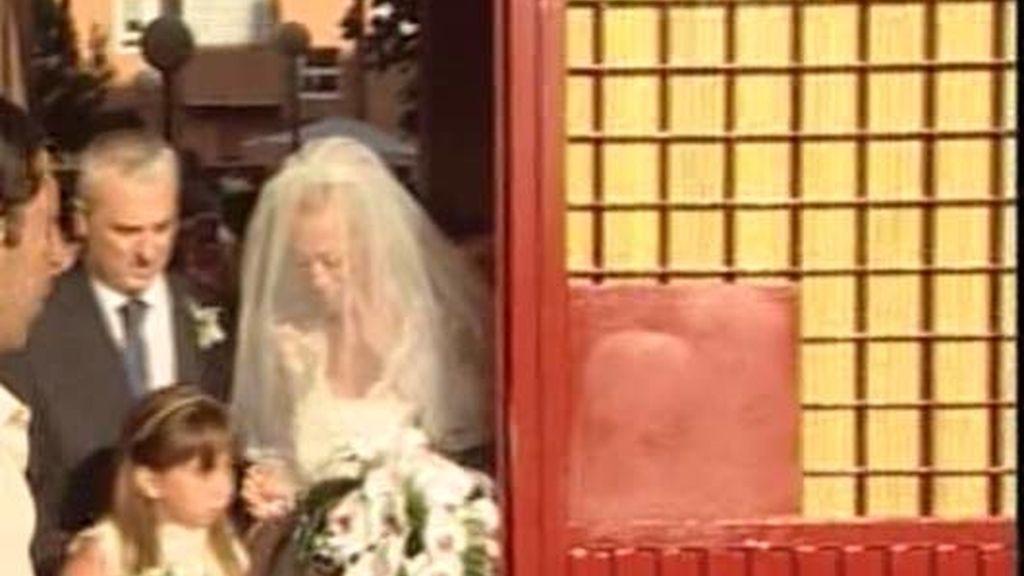 La novia, acompañada de los que más quiere