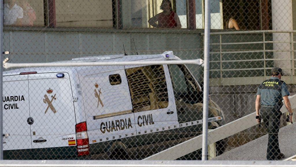 La Guardia Civil traslada en un furgón a Bárcenas a la cárcel de Soto del Real