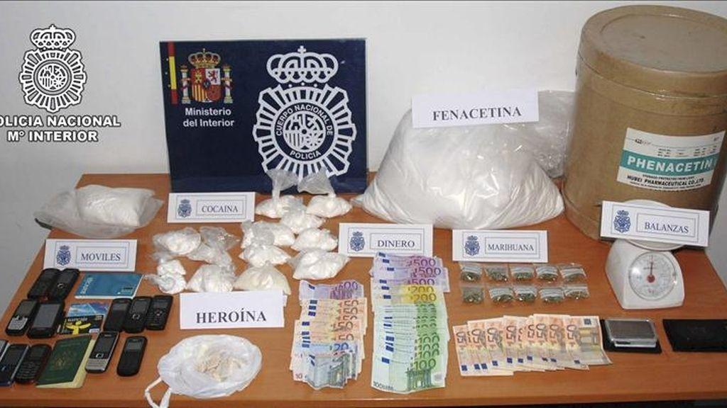 Imagen facilitada por La Policía Nacional que ha desarticulado una red de tráfico de drogas, que operaba en la Comunidad de Madrid y Canarias, y ha detenido a trece personas. EFE