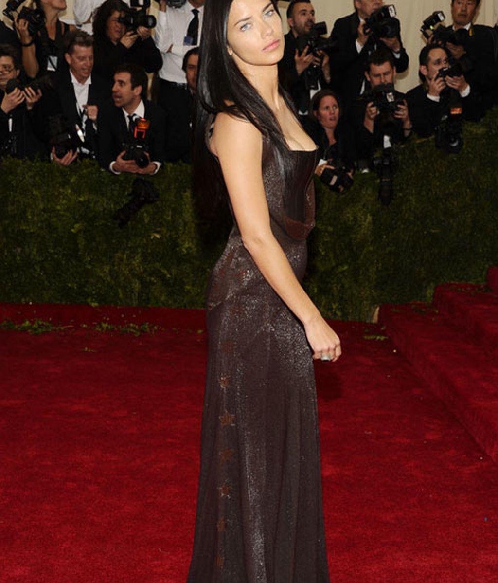 Adriana Lima de Givenchy
