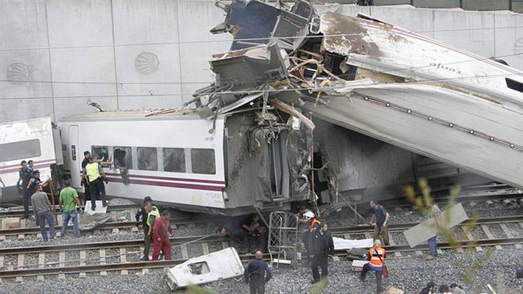 El tren descarrilado era un Alvia que realizaba el trayecto Madrid-Ferrol