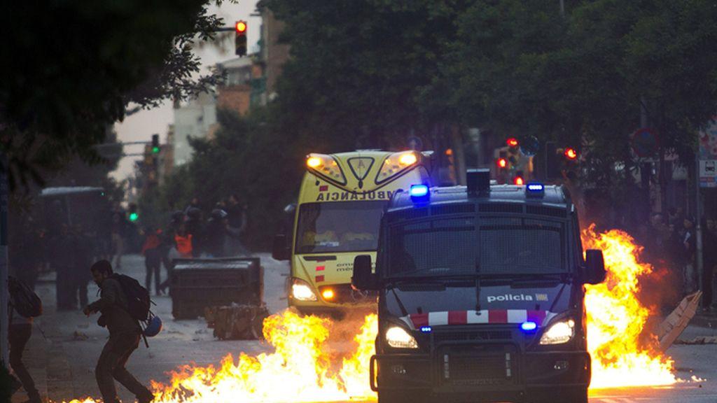Disturbios en el desalojo de Can Vies en Barcelona