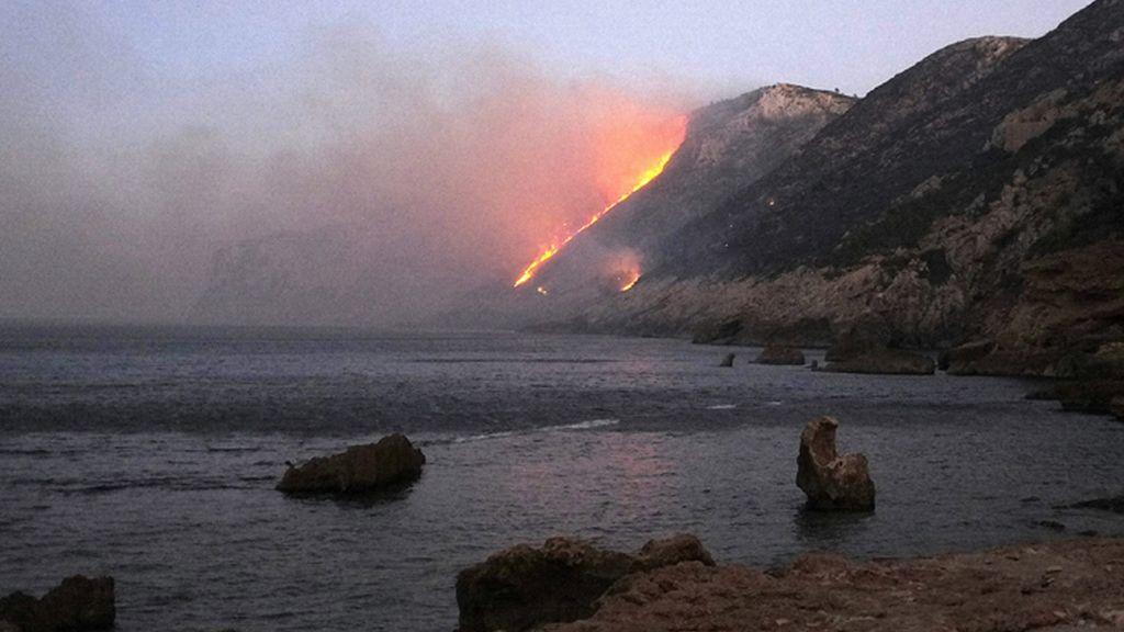 Incendio forestal en el Cábo de San Antonio en Jávea, Alicante