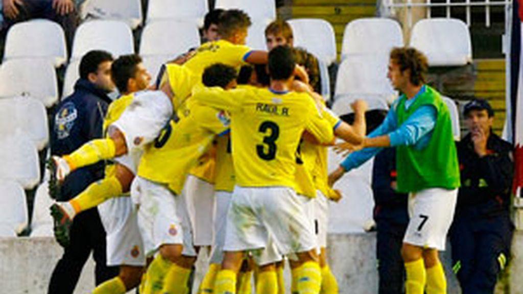 Los jugadores del Espanyol celebran su gol. Foto: EFE