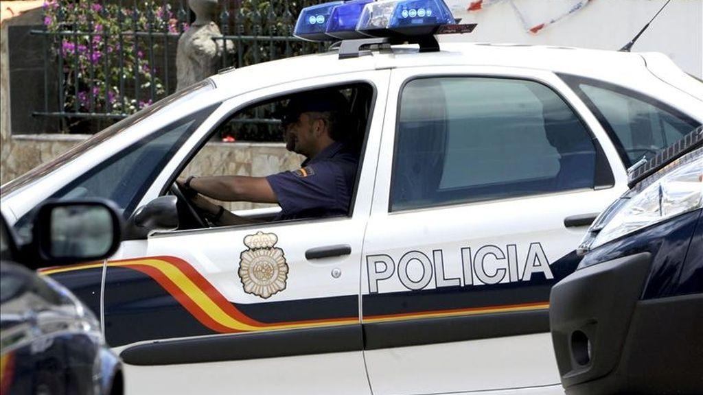 Imagen de un coche de la Policía Nacional. EFE/Archivo