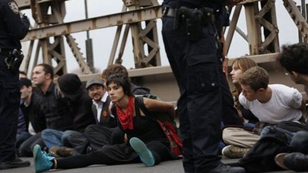 Los detenidos han sido llevados en autobuses