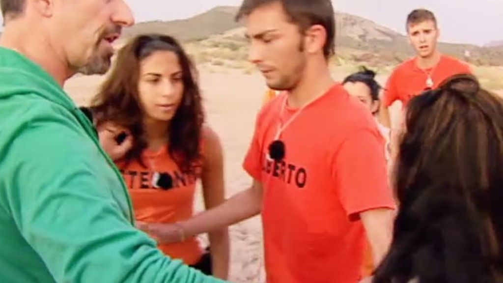 Itxyar y Estefanía, a punto de llegar a las manos