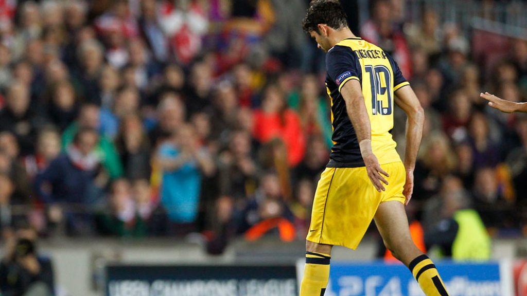 Diego Costa abandona el Camp Nou lesionado en los isquiotibiales