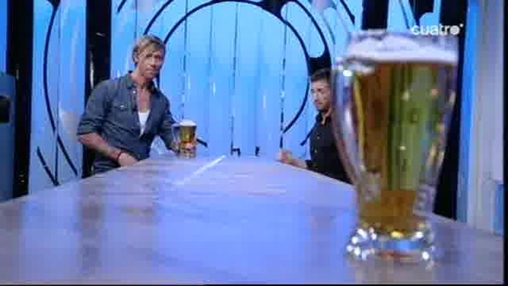 Guti lanza cervezas en El Hormiguero