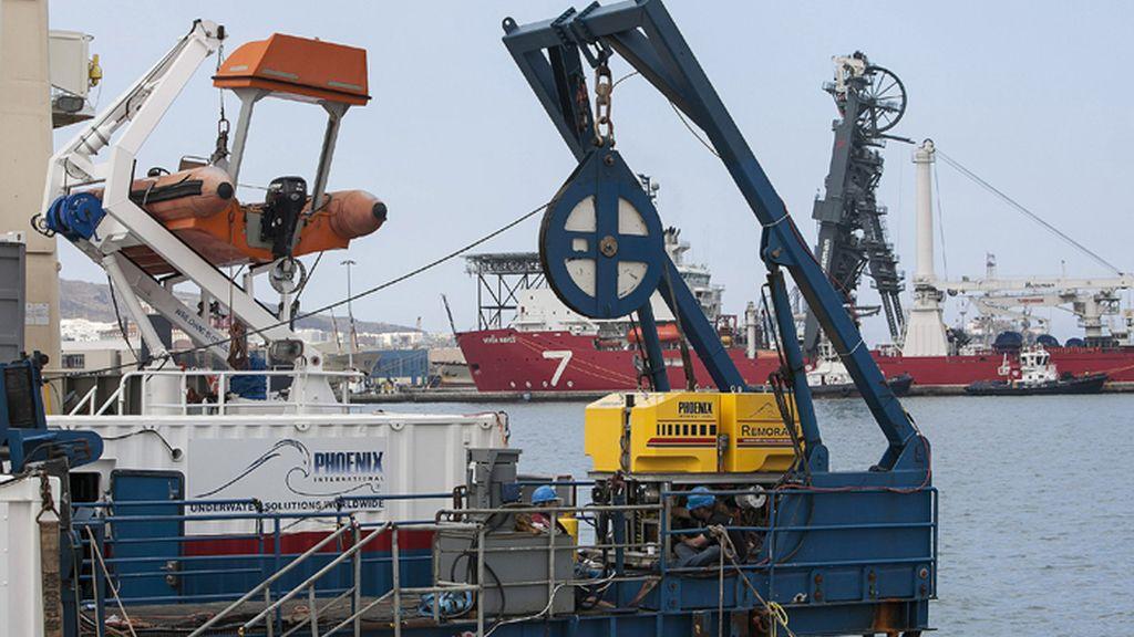 El buque Ares se incorpora a la búisqueda del helicóptero en aguas canarias