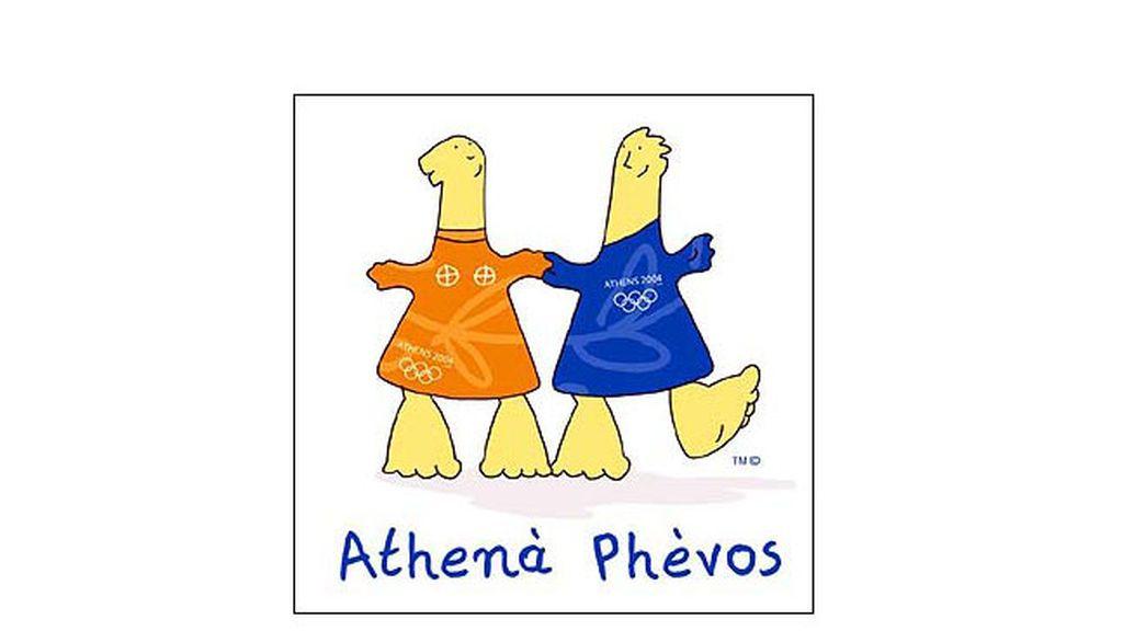 Athena y Phevos, dos niños en la capital griega en 2004