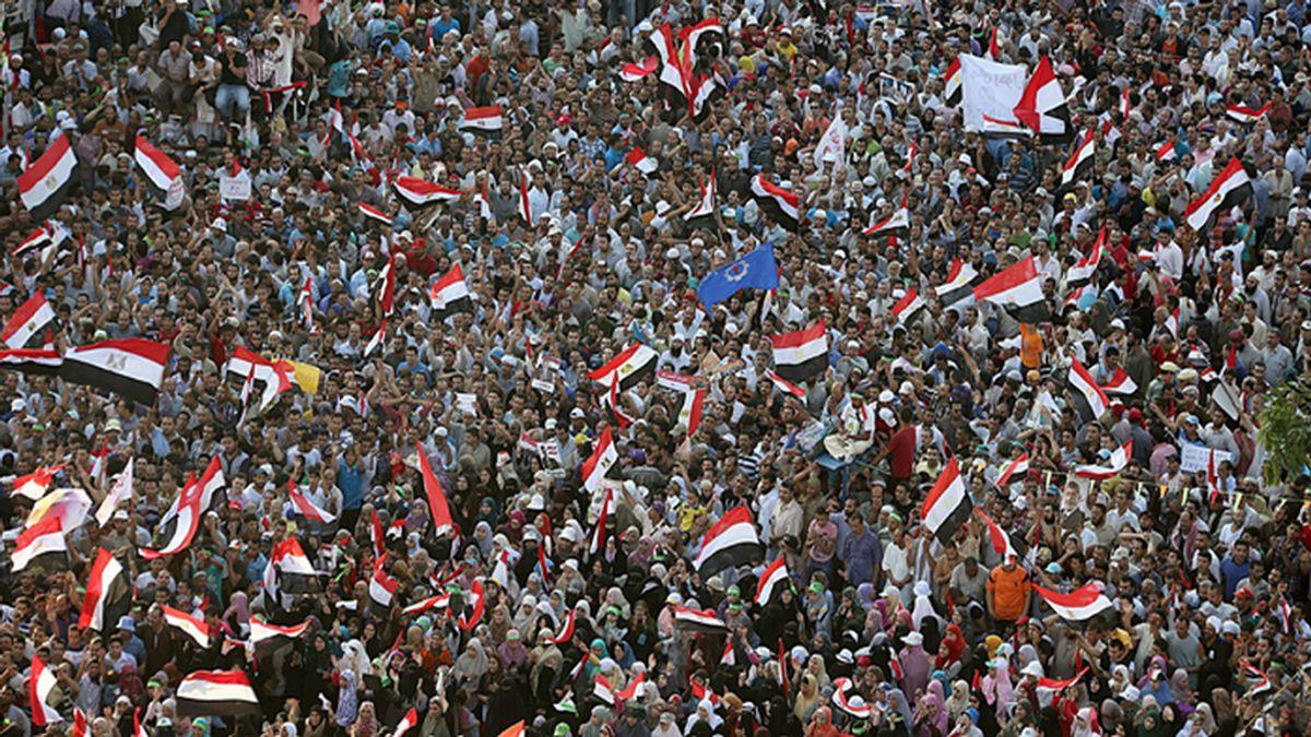 Multitudinaria protesta de los partidarios de Mohamed Morsi en pleno Ramadán