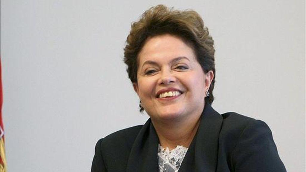 El silencio de Rousseff con la prensa va incluso más allá de esta semana, pues la última vez que hizo declaraciones a periodistas fue en Seúl, a inicios de noviembre pasado, cuando acompañó a Lula a la cumbre del G-20 en su condición de presidenta electa de Brasil. EFE/Archivo