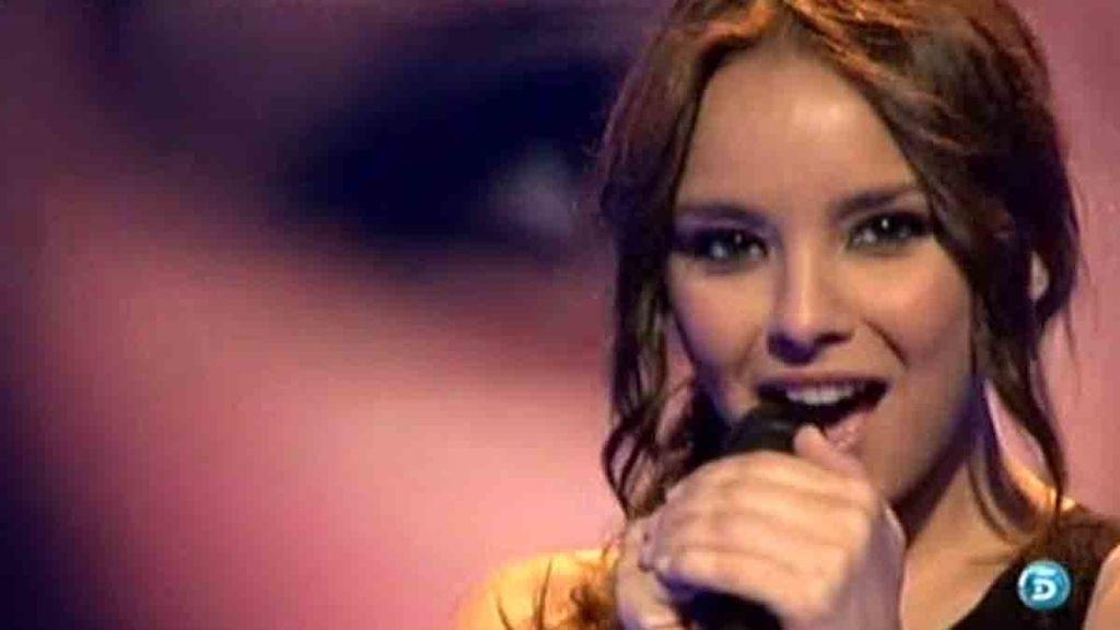 La cantante le ha dedicado a Mari el tema 'Simplemente tú'