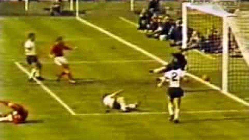 Gol fantasma de Geoff Hurst en el mundial de 1966