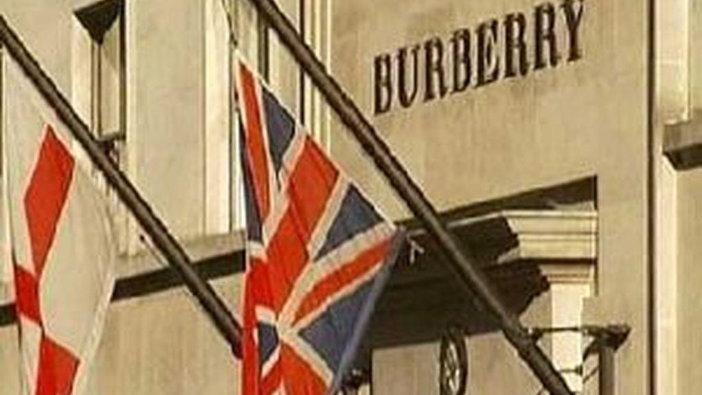 Burberry también ha anunciado despidos en Inglaterra. Vídeo: ATLAS