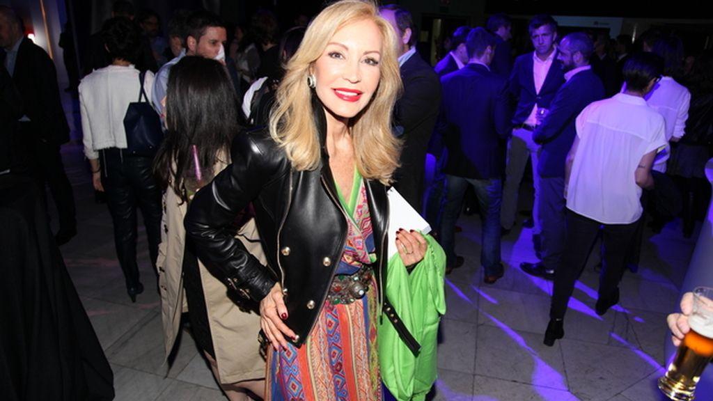 Carmen Lomana de lo más rockera con esta chupa de cuero